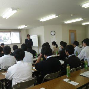 高校生向けの企業説明会を開催しました。